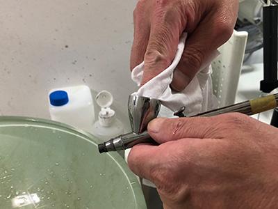エアブラシの洗浄