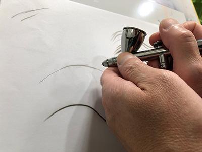 エアブラシの線描き始め