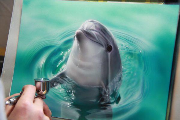 エアブラシアート イルカの絵